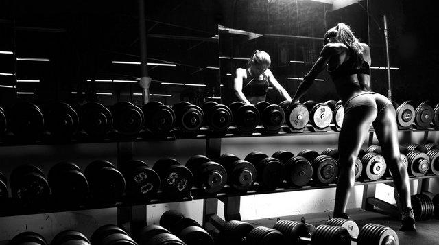 Siłownia siłka siłacz siła Kobieta